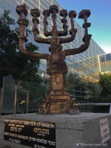 Candelabro di S. Dalì - Aeroporto di Tel Aviv